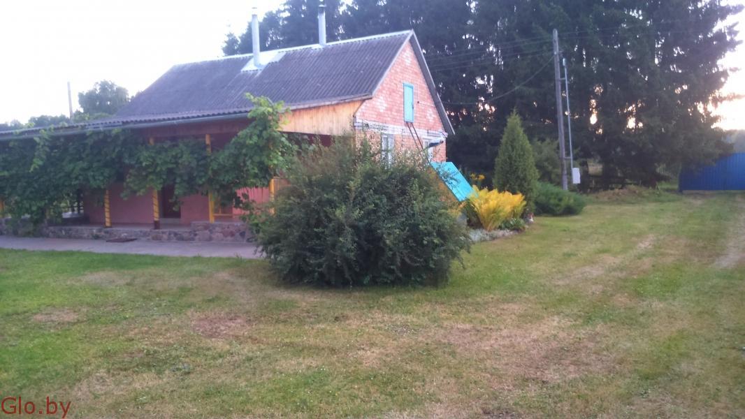 Дом на берегу озера в очень живописном месте