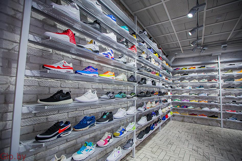 Магазин кроссовок в Советском районе
