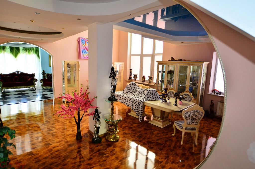 Продам 3-х этажный элитный коттедж в д. Большой Тростенец