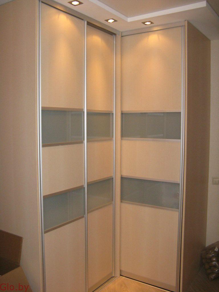 Угловой шкаф-купе в спальню и прихожую от 600 рублей.