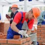 Для работы необходим каменщик