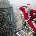 Эксклюзив 2019 – Дед Мороз в окно