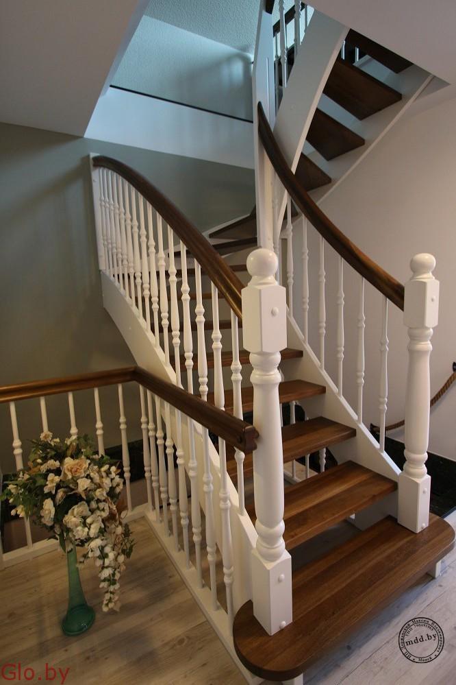 Выгодно купить лестницу на второй этаж в загородный дом или на дачу.