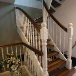 Проектирование, изготовление и монтаж лестниц из дерева стекла металла.Звоните