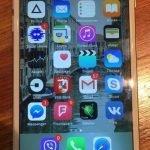 Продаю Iphone 6s золотой 16 гб