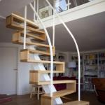 Лестница в дом любых видов из массива древесины. Изготовление и монтаж