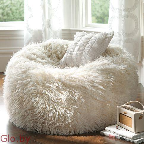 Кресло мешок Подушка из меха. Высота: 90 см. Диаметр: 130 см.