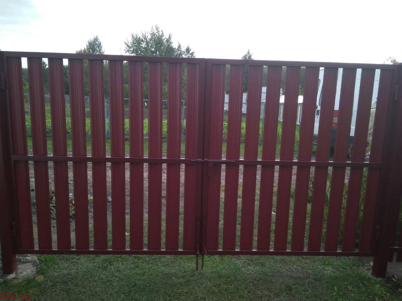 Забор из металлоштакетника. Комплектация. Монтаж.